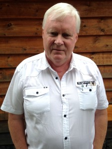 Arne Gjerde er vår toppkandidat. Arne er sjølvstendig næringsdrivande, og bur i Arnavik på Halsnøy. Han ynskjer betre struktur i kommunen, og tettare samarbeid mellom lokale aktørar.